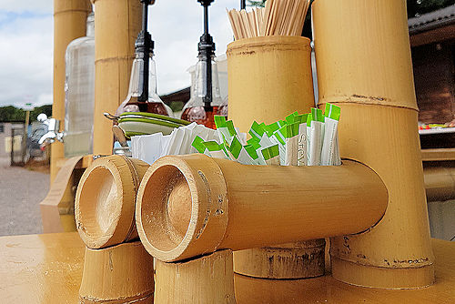Bamboo sugar and coffee stirrer holders